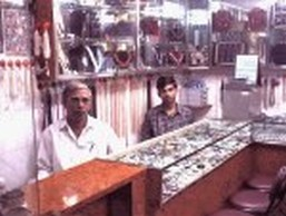Sumanlal At Mahavir Gems